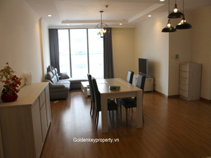 3 bedrooms Vinhomes apartment for rent on Nguyen Chi Thanh