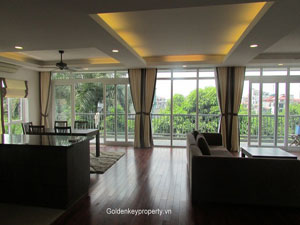 4 bedrooms serviced apartment for rent on Au Co street
