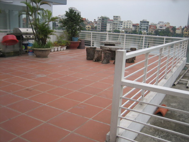 Large terrace lake view apartment 2bedrooms for rent in Nghi Tam, Tay Ho district