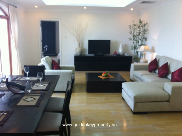 Truc Bach lake view apartments for rent