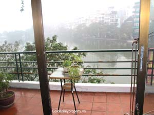 Cheap apartment 2 bedrooms for rent in Truc Bach area