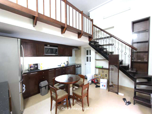 Cheap duplex apartment rental in Ba Dinh Dist, near old quarter