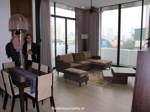 Elegant design, well furnished apartment available in Hoan Kiem Dist