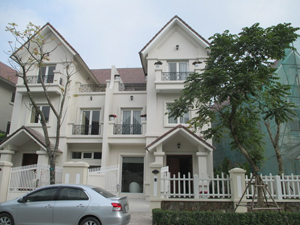 Luxury villa fully furnished for rent in Hanoi - Vinhomes Riverside