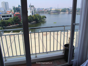 Nice apartment with Truc Bach lake view for rent