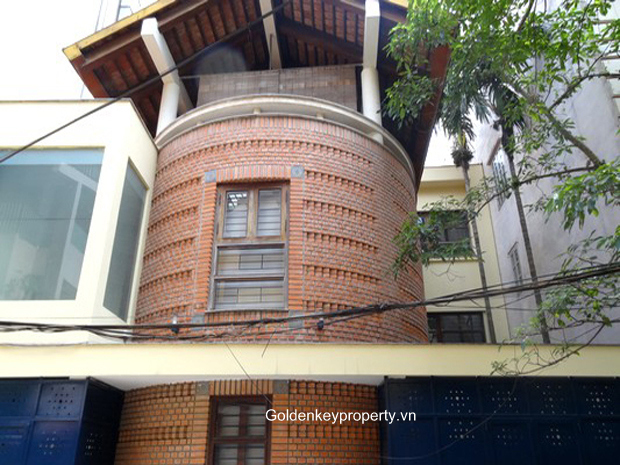 Villa in Ba Dinh Hanoi for rent, 4 bedroom, near French school