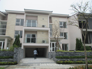 Q Block Villa in Ciputra, 6 beds big garden facing to goft court