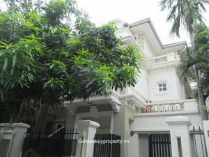 Villa in Ciputra, Block D4 with 5 bedrooms, close UNIS school