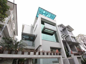 Modern Villa For Rent 5 beds and elevator in Tay Ho, near Ciputra