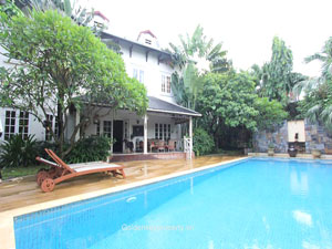 Villa for rent in Long Bien with outdoor swimming pool