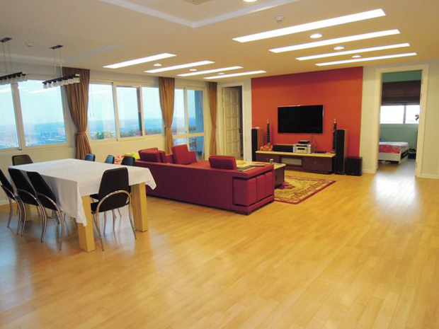 Spacious apartment for rent in Ciputra Hanoi, 270 sqm, 4 bedrooms