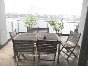 3 bedrooms apartment with lake view in Tay Ho Hanoi