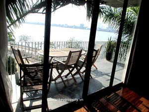 Lake view Xom Chua apartment topfloor, 4 beds rental in Tay Ho