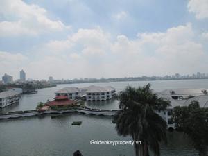Rental apartment in Nghi Tam nearby Hanoi Intercontinental Hotel