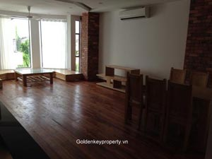 Tay Ho apartment for rent in Dang Thai Mai street with 2 bedrooms