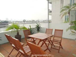 3 bedroom Penthouse for Rent on Tran Vu, nice terrace, lake view and furnished