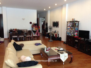 Lakeview 3 bedrooms apartment for rent in Truc Bach