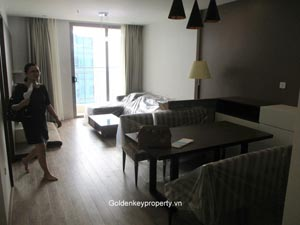 Apartment in Vinhomes Nguyen Chi Thanh, 2 beds on high floor