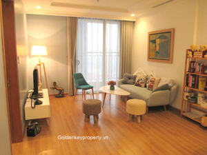 Modern apartment 2 beds for rent at Vinhomes Nguyen Chi Thanh