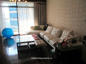 Apartment in Vincom Hanoi for rent with nice view high floor
