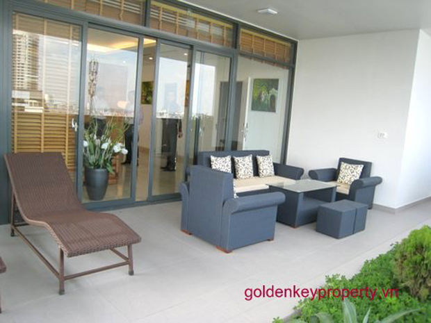 Spacious and luxury apartment for rent in Cau Giay Hanoi