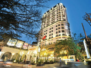 Candle serviced apartment in Hanoi available for rent