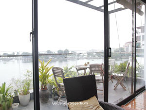 Apartment 3 bedrooms view to Truc Bach lake for rent