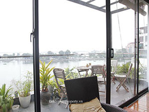 Lake view 3 bedrooms apartment for rent in Truc Bach area