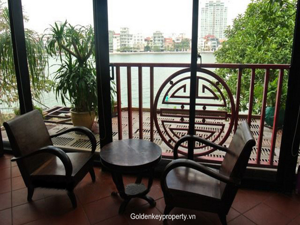 2 bedroom apartment in Westlake Hanoi, lake view and fully furnished