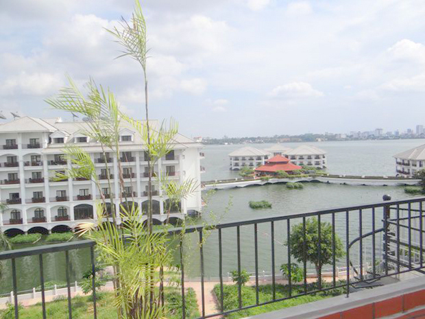 Duplex apartment for rent in Westlake, Nghi Tam Village, Hanoi