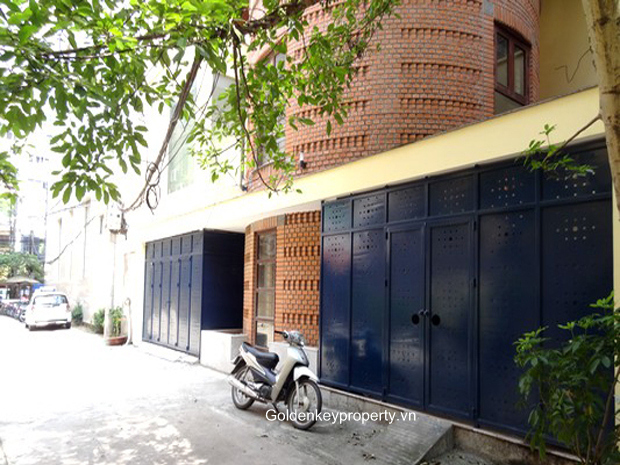 House in Ba Dinh, Hanoi for rent, 4 bedroom and nice terrace