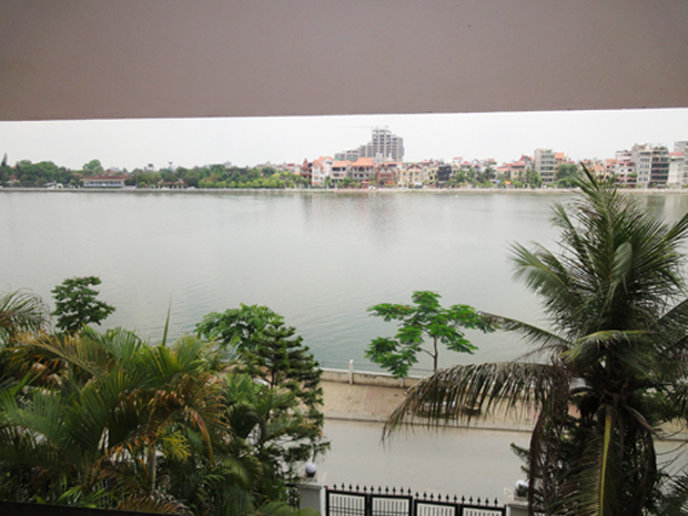 House rental in Tay Ho Hanoi, lake side house for rent in Nghi Tam