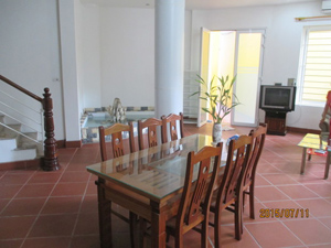 Rental quiet house 4 bedrooms in Au Co street, Tay Ho Hanoi