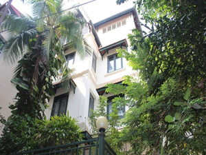 House Rental in Tay Ho, large garden 5 bedrooms near Westlake