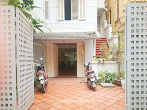 House with courtyard 3 bedroom in Tay Ho District, Hanoi